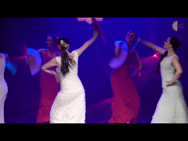 Cracow Orient Festival 2016 Almoraima z wachlarzami Flamenco