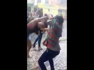 Briga Na Escola #2 (NA CHUVA) - YouTube