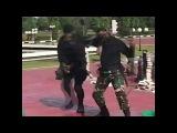 Индонезийские коммандос показали главе Пентагона навыки в манипуляции змеями