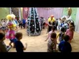 НОВЫЙ ГОД в детском саду. Новогодняя игра. Ёлочки - Пенёчки
