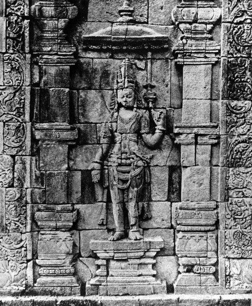 Ява. Храм Мендут.