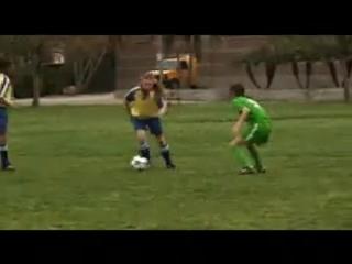 Футбольная Мама / Soccer Mom в ролях: Missi Pyle,  Emily Osment, Dan Cortese, Kristen Wilson