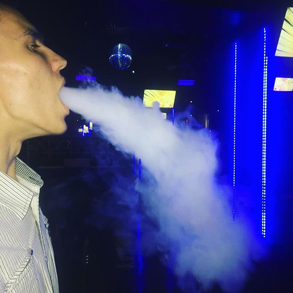 Эдик Щур: Самые дымные кальяны у нас в [club120811883|@zerkalornd] 💨💨💨 Ждём вас каждый день👌🏼☺️ Режим работы: Пн-чт,вс с 20:00 до 06:00 Пт-сб с 20:00 до 07:00🙀