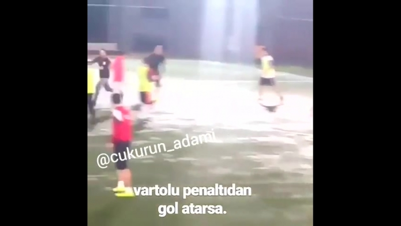 Vatolu puca penal i postiže gol