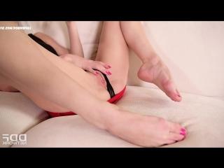 Телка ласкает свою киску - vk.com/pornoful
