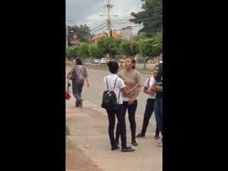 Honduras sin reglas la calle llama, los guantes sobran
