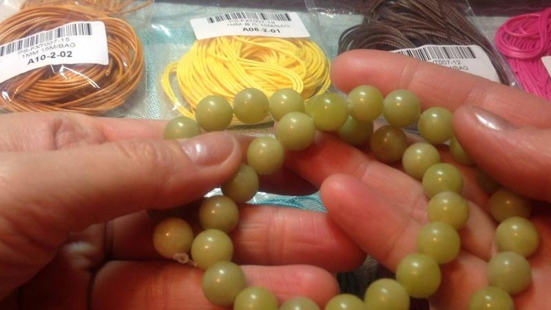 Вощеный шнур и натуральные бусины с сайта AliExpress