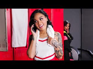 [Brazzers] Kaylani Lei, Honey Gold - Fucking The Locker Room Perv NewPorn2019