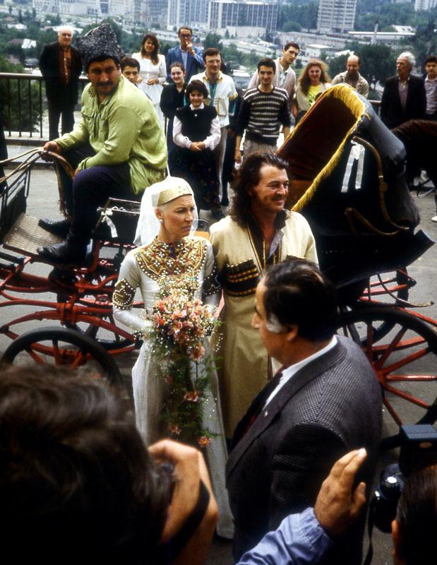 Гиллан в Джорджии Гиллан, вокалист, Purple, церемонии, венчания, Тбилиси, Грузинская
