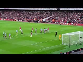 Nicolas pepe scores his first goal for arsenal since his big money move in the summer  afc arsavl