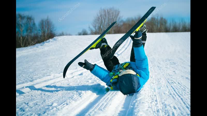 Лыжник - чуть стола пониже Смелый, хоть и молодой В первый раз стоит на лыжах И вперёд летит стрелой. А под горку с громким смех