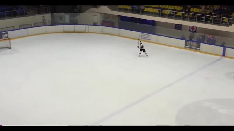 Вячеслав Селуянов забивает на последней секунде.