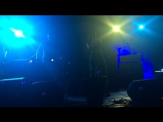 Wan Roux & Vika Tendery-Tell Me