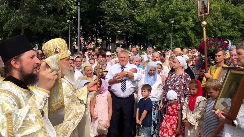 Крестный ход в праздник Преображения Господня. Храм Игоря Черниговского в Переделкине