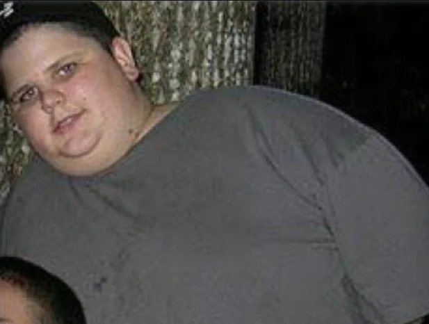Парень похудел почти на сто килограмм и стал звездой интернета