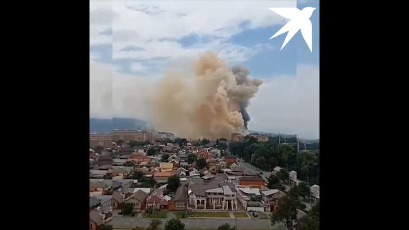 Пожар рядом со сгоревшим чесальным цехом во Владикавказе
