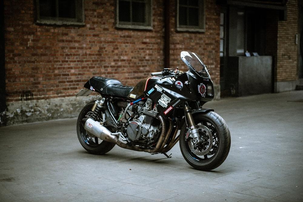McFly Custom: кастом Honda CB750 (28 фото)