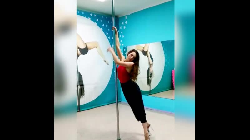 POLE DANCE инструктор Серафима Косенкова фитнес-клуб МАЛИНА