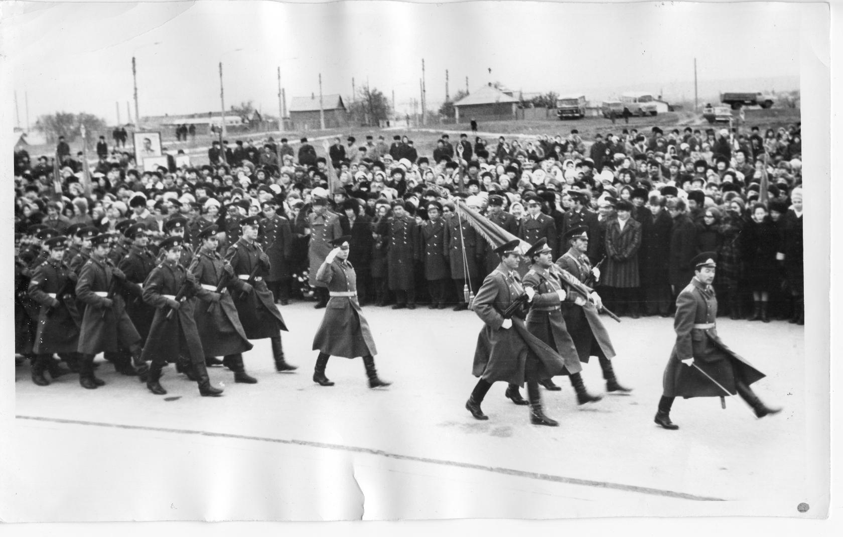 Открытие памятника О.И. Городовикову. 1976 год. Калмыкия-online.ру