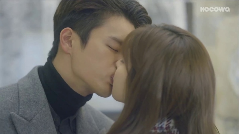 Seo In Guk is the Master of Kissing..♥ Shopaholic Louis Kissholic Louis!