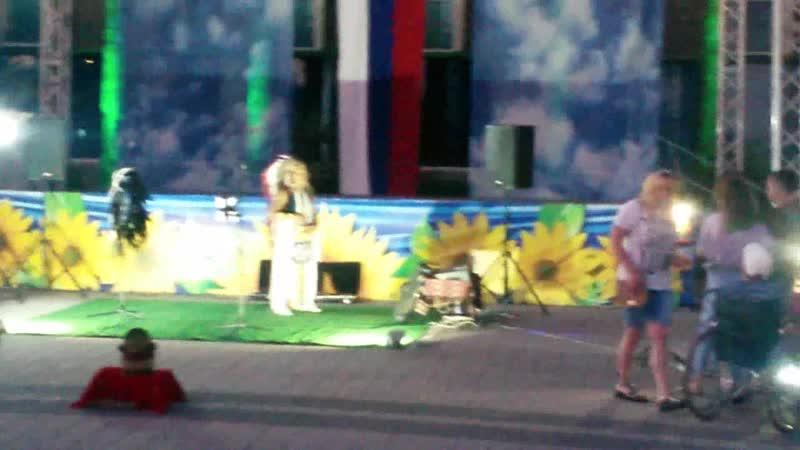 лазаревский район ЛАЗАРЕВСКОЕ площадь. концерт .перуанских индейцев
