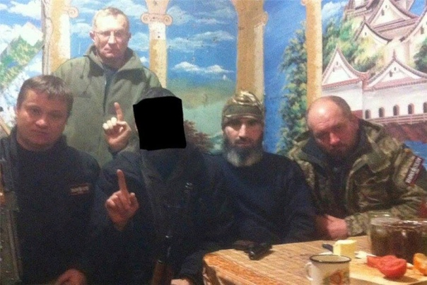 Чеченский батальон имени Шейха Мансура, воюющий на стороне Украины. Кто они В последние дни в социальных сетях активно начали распространять видео боев в Широкино. Несмотря на действующее
