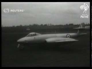 Jet fighter sets speed record (1950)