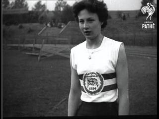 Athletic - British Girls Beat Czechs (1954)