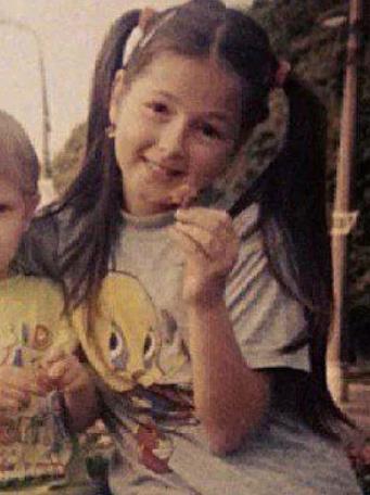 Нюша призналась, что в 12 лет продюсер попросил ее раздеться, снять трусики и маечку