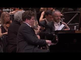 Денис Мацуев исполняет Второй концерт для фортепиано с оркестром С. Прокофьева