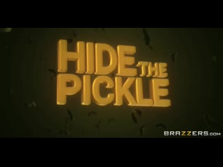 Halle Hayes - Hide The Pickle