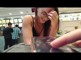 Кайфует от вибратора в кафешке remove control vibrator, glasses girl, latina