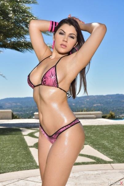 Bikini valentina nappi Valentina Nappi