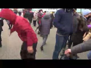 Змагары нападают на журналиста СТВ)