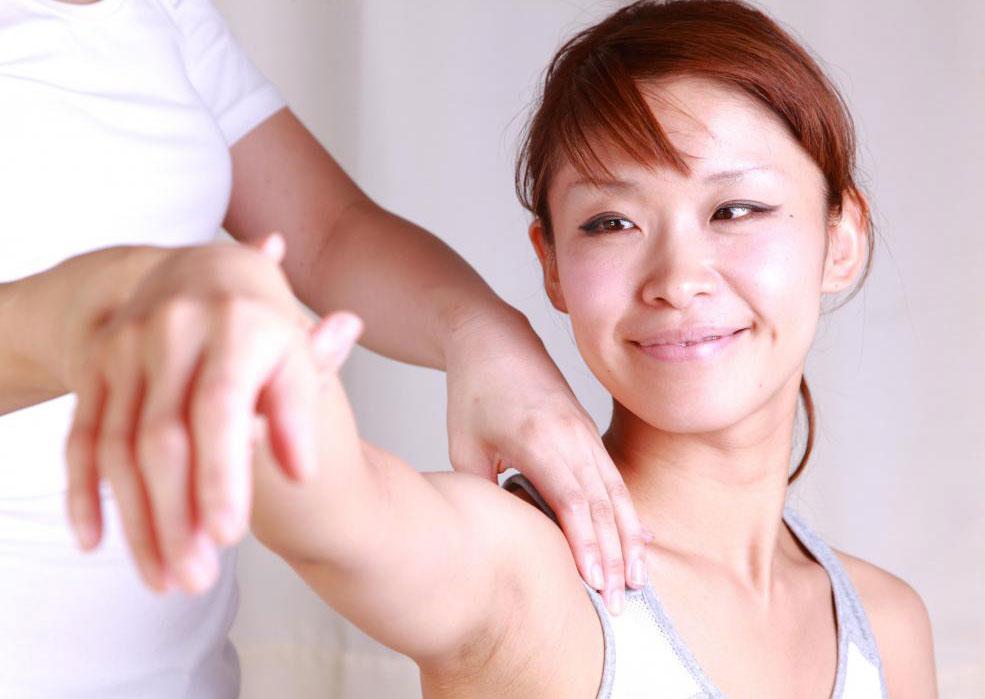 В чем разница между рефлексологией и точечным массажем (акупрессура)?