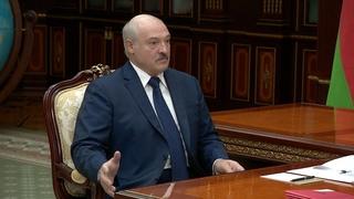 Лукашенко: Негодяи! Они нас душат и требуют от нас, чтобы на последнем вздохе мы их защищали!