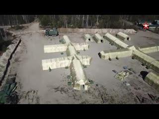 Военные медики развернули полевой госпиталь в Ленобласти кадры с коптера