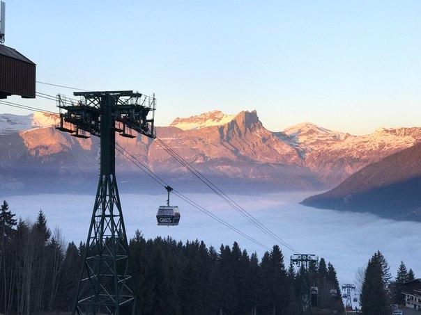 Андрей Рогозов: Закат в горах.