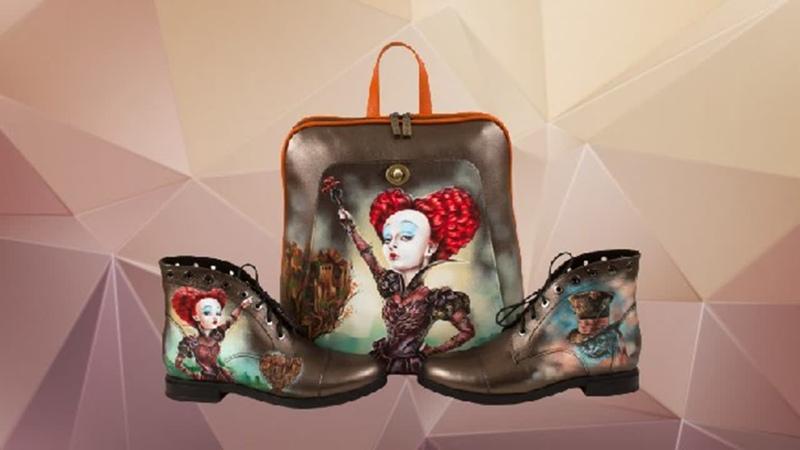 Плоский рюкзак и ботинки Красная Королева Pelle Volare