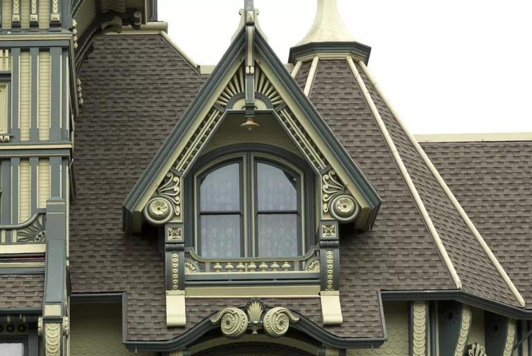 Особняк Карсона викторианской эпохи, Юрика, Калифорния. Кэрол М. Хайсмит