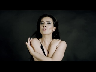Headstrong feat. Alexandra Badoi - Fear (Official Music Video)