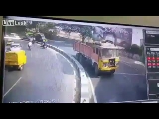 Смертельная авария на мотоцикле, Индия