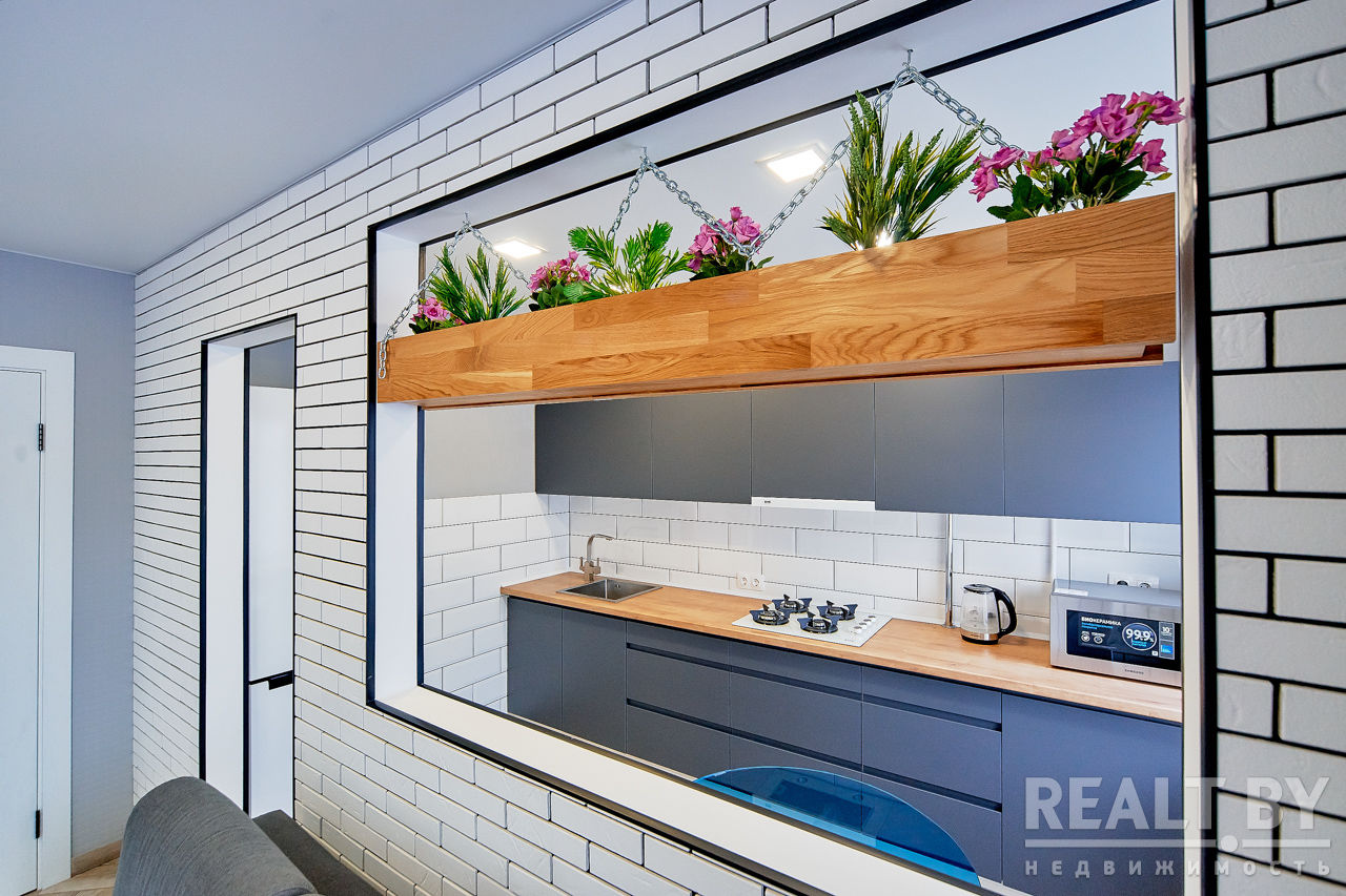 Средний вариант между студией и 1-комнатной квартирой 32 м в центре Минска.
