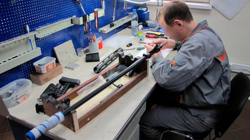 Один из этапов изготовления винтовки Т-5000 на заводе «ОРСИС»