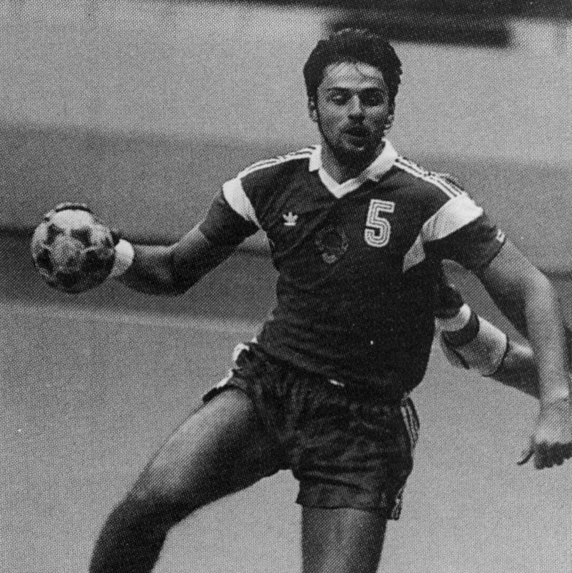 Судьба человека. Танцор с мячом, который сыграл на Олимпиадах за три сборные, но проиграл битву с раком, изображение №6