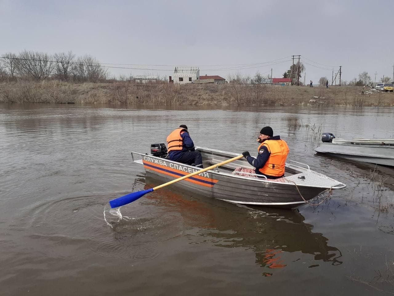 В Аткарске 300 местных жителей оказались отрезаны из-за паводка