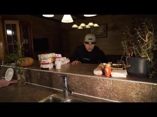 [Габарик и Столярик] Съесть ВСЕ меню из Макдональдс за 24 часа Челлендж!
