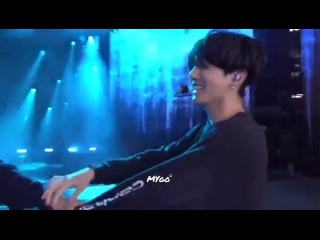 taehyung pulling jungkook by his hand so they can dance euphorias choreo