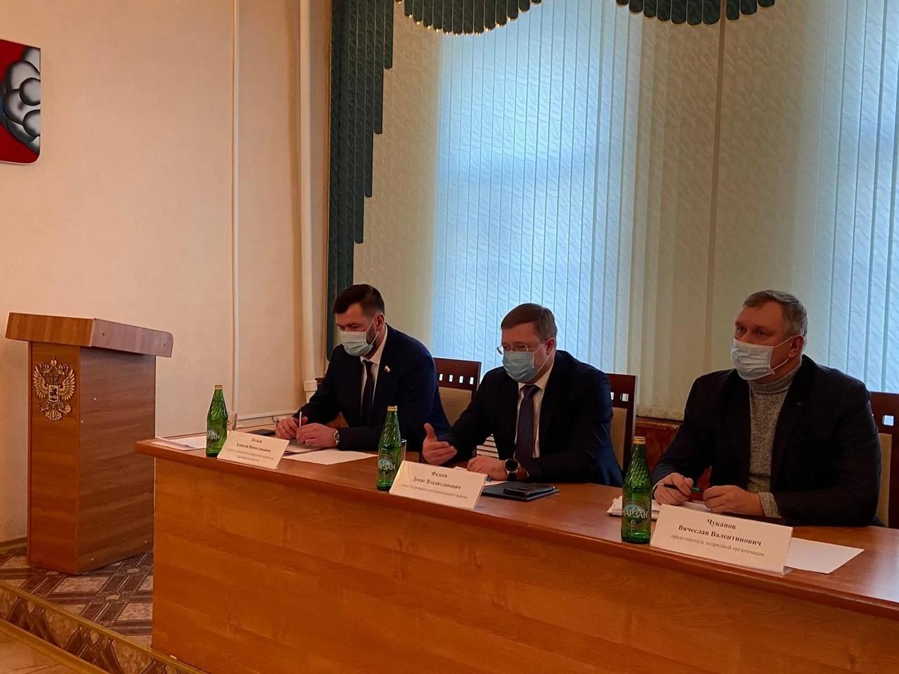"""В администрации Петровского района обсудили предстоящее строительство трассы """"Меридиан"""", которая пройдёт по территории муниципалитета"""