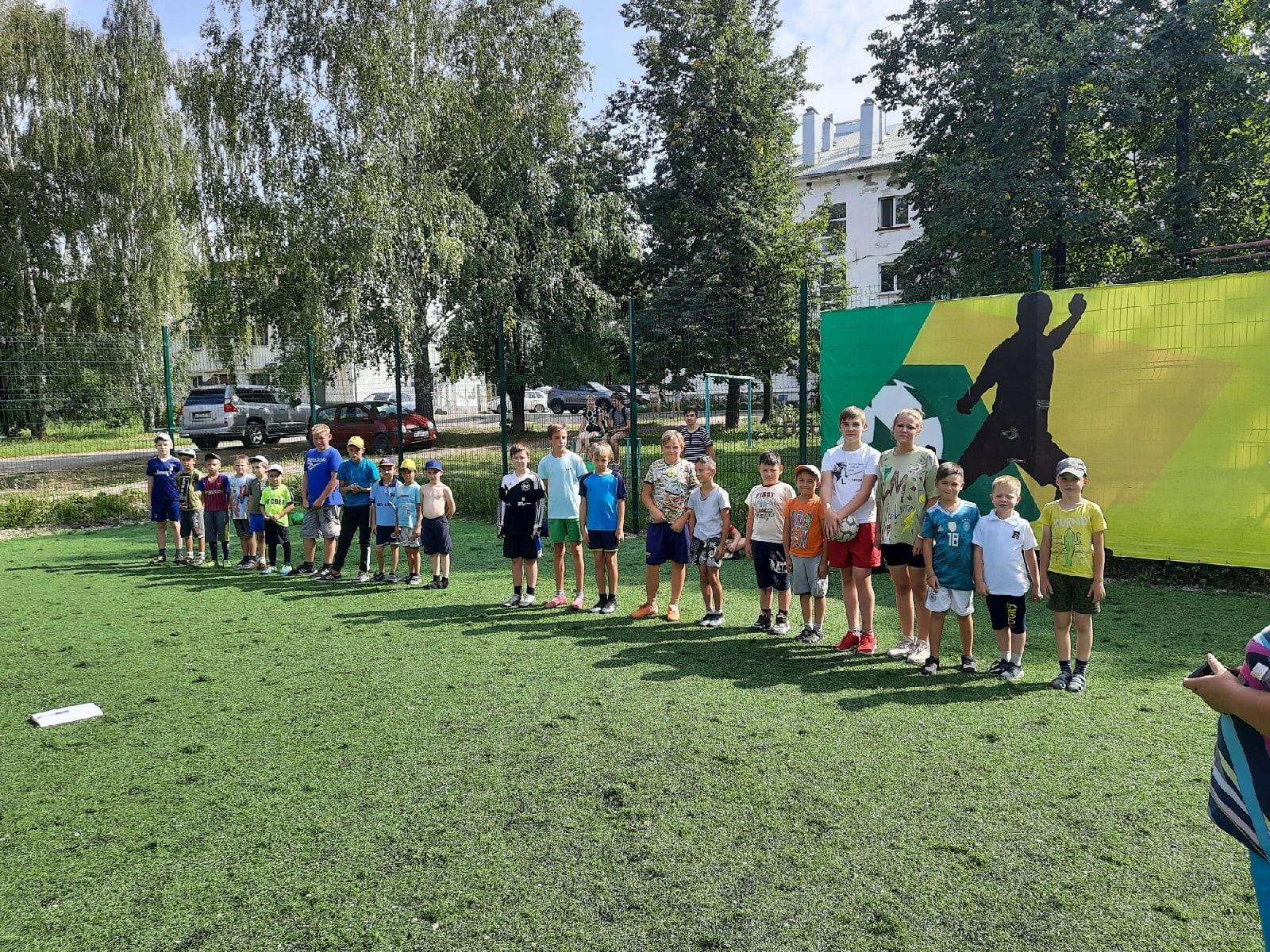 Дворовой футбольный турнир прошел в МожгеПять команд